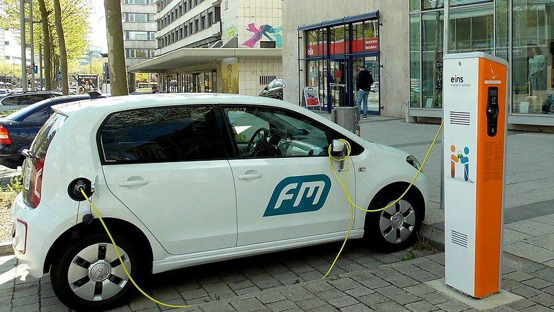 Jak chce stát podpořit elektromobily?