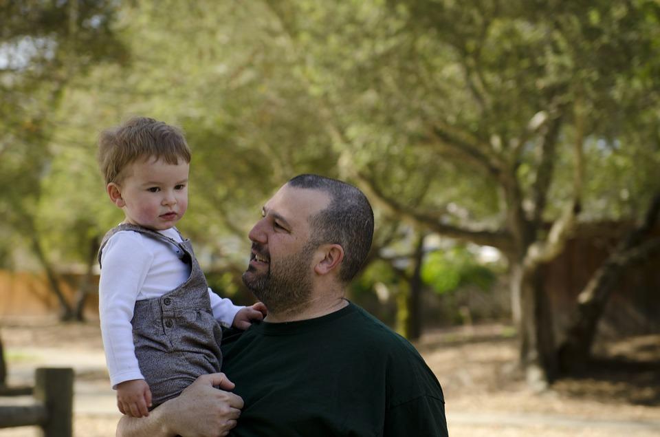 K čemu je dobré uznání otcovství?