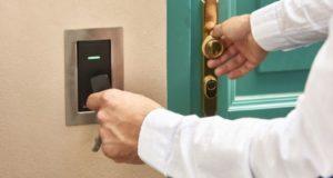 Elektronický přístup do objektu je výhodnější než klíče
