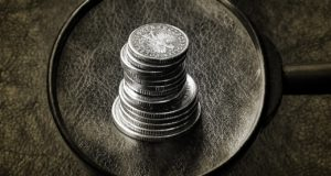 Peněz často není dost